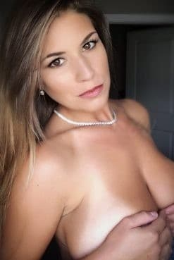 Escort Porn Service star